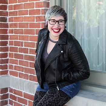 Lynn-Larsh-Author-Photo-sm